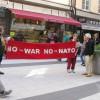 Demonstrera mot närmandet till Nato