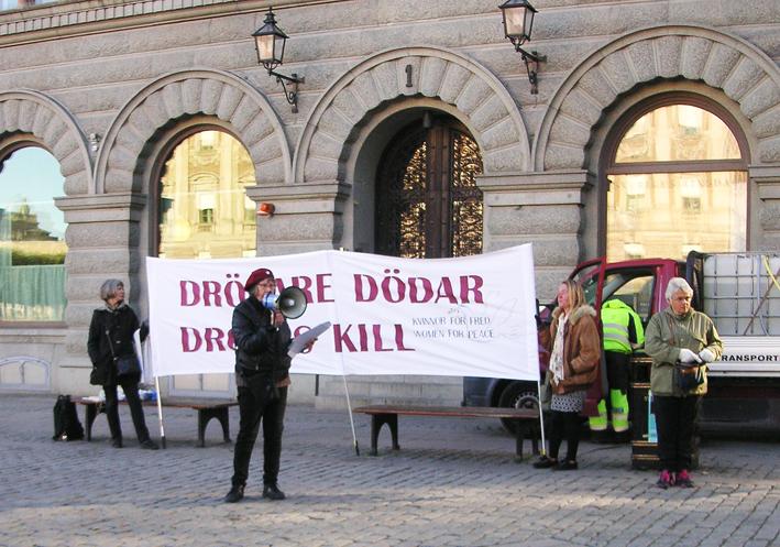 Demonstration mot drönare 9 oktober 2015